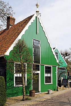 Typical wooden buildings from the 17th Century, old whaling village Jisp, Wormerland, province of North Holland, Netherlands, Europe