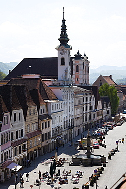 Town square with the town hall and Marienkirche St Mary's Church, Steyr, Upper Austria, Austria, Europe