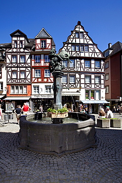 Fountain on the market square of Cochem, district of Cochem-Zell, Moselle, Rhineland-Palatinate, Germany, Europe