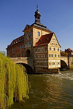 Old town hall with upper bridge over the Regnitz river, Bamberg, Upper Franconia, Bavaria, Germany, Europe