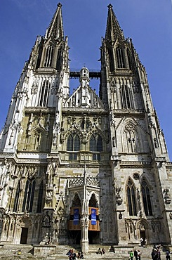 Restored front facade of the St Peter Cathedral, Regensburg, Upper Palatinate, Bavaria, Germany, Europe
