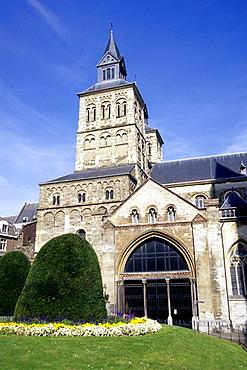 Sint Servaas-Basiliek, St. Servatius Basilica, romanesque Cross Basilica, Church in the medieval city center of Maastricht, Limburg, Netherlands, Benelux, Europe