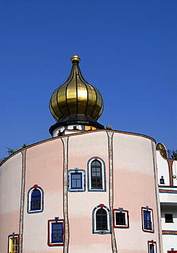 Golden Dome, artistic trademark of architect Friedensreich Hundertwasser, Rogner Thermal Spa and Hotel in Bad Blumau, Austria, Europe