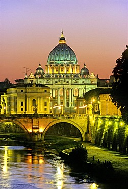 St. Peter's Basilica, Ponte Vittorio Emanuele II., Tiber river, Via della Conciliazione, Road of the Conciliation, Rome, Latium, Italy, Europe