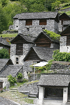 """Brontallo and the stables, """"Brontallo e le Stalle"""", historic way station on the trail of rocks in the Val Lavizzara, symmetrically designed stables in Brontallo, Maggia valley, Ticino, Switzerland, Europe"""