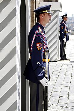 Palace guards, Prague Castle, Hradschin, Castle District, Prague, Central Bohemia, Czech Republic, Eastern Europe