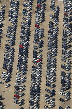 Aerial view of the delivery carpark for new Zafira vehicles at the Opel factory 1, Bochum, Ruhr Area, North Rhine-Westphalia, Germany, Europe
