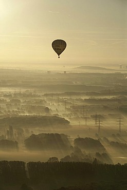 Aerial image, sunrise, electrical towers in the early morning fog, hot-air balloon, Scholven, Gelsenkirchen-Buer, North Rhine-Westphalia, Germany, Europe