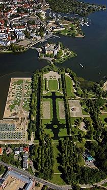 Aerial view, Schwerin Castle, baroque garden, compound of the German Federal Garden Show BUGA 2009, Lake Schwerin, Schwerin, Mecklenburg-Western Pomerania, Germany, Europe