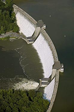 Aerial photo, Moehnesee, overflowing Moehne storage lake with high water, retaining wall, Hochsauerlandkreis, Sauerland, North Rhine-Westphalia, Germany, Europe