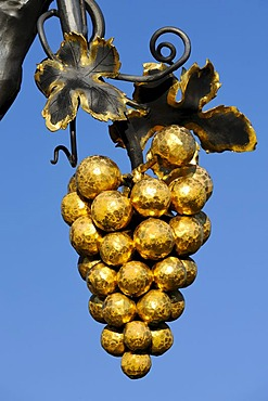 Forged grapes