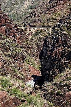 Bridge Pont de la Mariee, Gorges de Daluis, Alpes-Maritimes, Provence-Alpes-Cote d'Azur, Southern France, France, Europe, France, Europe