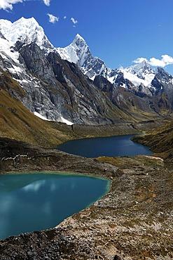 Laguna Quesillococha, Laguna Siula, Laguna Gangrajanca, front to back, Cordillera Huayhuash, Peru, South America