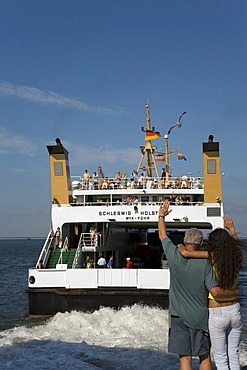 The Ferry, Schleswig Holstein, leaving the terminal in Wittduen on Amrum Island, North Frisia, North Sea, Schleswig-Holstein, Germany, Europe