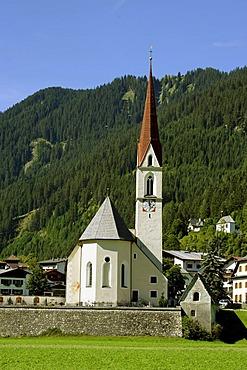 Parish church St Nikolaus, Elbigenalp, Lech valley, Tyrol, Austria, Europe