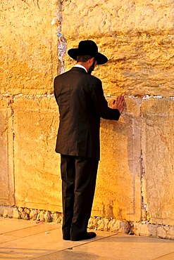Jew praying at the Wailing Wall, Jerusalem, Israel, Near East, Orient