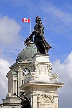 Monument to Samuel de Champlain, founder of the city of Quebec, behind it the tower of the former post office, Place des Armes, Quebec City, Canada, North America
