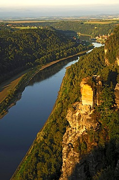 Morning on Elbe Valley between Rathen and Wehlen, right Wartturm rock fall, National Park Saxon Switzerland, Saxony, Germany, Europe