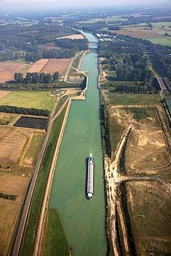 Dortmund-Ems Canal between Muenster and Greven, near Gelmer, North Rhine-Westphalia, Germany, Europe