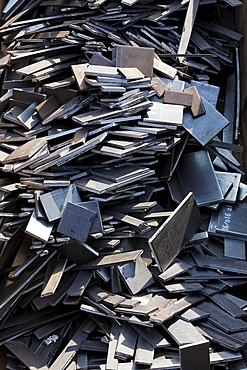 Scrap metal, steel plate offcuts, Huettenwerk Krupp Mannesmann, HKM, North Rhine-Westphalia, Germany, Europe