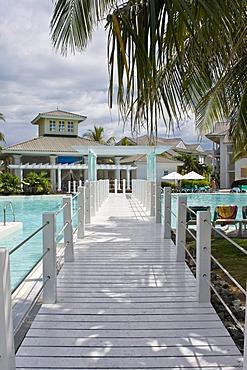 Footbridge, swimming pool complex, Tryp Peninsula Hotel, Varadero, Cuba, Caribbean, America