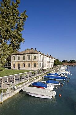 Harbour with boats in Peschiera del Garda, Lake Garda, Lago di Garda, Lombardy, Italy, Europe