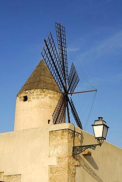 Traditional windmill and street lantern in the Santa Catalina district, Palma de Mallorca, Mallorca, Balearic Islands, Spain, Europe
