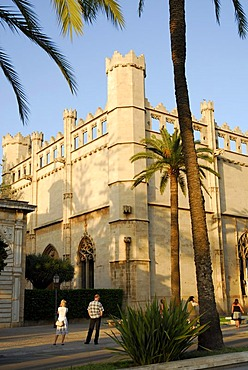Promenade in front of the former maritime trade stock exchange, Sa Llotja, facade in the Catalonian Gothic style, now used for artistic and cultural exhibitions, historic city centre, Ciutat Antiga, Palma de Mallorca, Mallorca, Balearic Islands, Spain, Eu