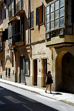 Facade with bay windows, street with traditional buildings in the historic city centre, Ciutat Antiga, Carrer de Ramon Llull, Palma de Mallorca, Majorca, Balearic Islands, Spain, Europe