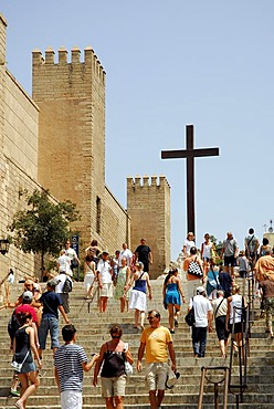 Cross at the stairs leading to the La Seu Cathedral, and the Palau de l'Almudaina Palace in the historic centre, Ciutat Antiga, Palma de Majorca, Balearic Islands, Spain, Europe