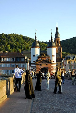 Alte Bruecke, 'Old Bridge', Karl-Theodor-Bruecke, over Neckar River, bridge gate with two baroque towers on the periphery of the old city, Heidelberg, Neckar Valley, Baden-Wuerttemberg, Germany, Europe