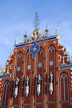 House of the Blackheads, Melngalvju nams, Renaissance style facade with sculptures at Ratslaukums square in the historic town centre, Vecriga, Riga, Latvia, Baltic states, Northeastern Europe