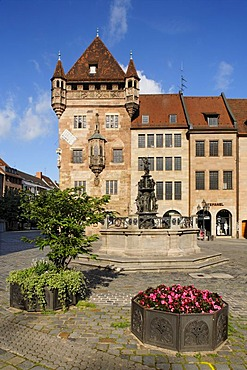 Nassau House, Schluesselfeldersches foundation house, fortress tower, Karolinenstr. 2, historic city centre, Nuremberg, Middle Franconia, Bavaria, Germany, Europe