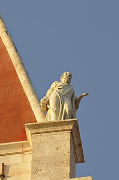 Sculpture on the church tower of the cathedral Sveti Lovro, St. Laurence's Cathedral, Trg Ivan Pavla II, John Paul II Square, Trogir, Dalmatia, Croatia, Europe