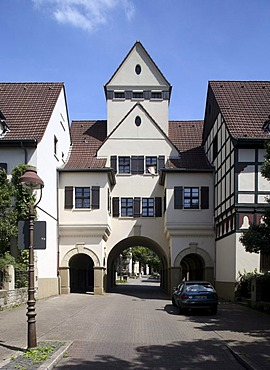 Gatehouse of the Schievenfeld coal mine settlement, Gelsenkirchen, Ruhr area, North Rhine-Westphalia, Germany, Europe