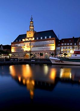 Town hall, Emden, East Frisia, Lower Saxony, Germany, Europe