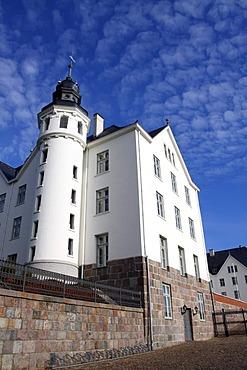 Plune Castle, owned by the Fielmann AG optical company, Ploen district, Holsteinische Schweiz Nature Reserve, Schleswig-Holstein, Germany, Europe