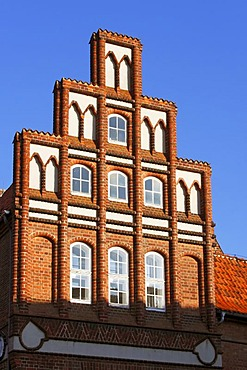 Crow-stepped gable, historic town hall in the historic centre of Lueneburg, facade of the finance department of the Lueneburg town hall, hanseatic city of Lueneburg, Lower Saxony, Germany, Europe