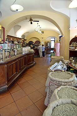 Coffe shop in Alba Piedmont Piemonte Italy Casa del Cafe in hte Via Cavour Bar Cafe roasting establishment