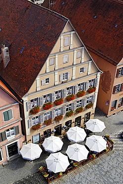 Weinmarkt wine market Dinkelsbuehl Dinkelsbuehl Romantische Strasse Romantic Road Middle Franconia Bavaria Germany
