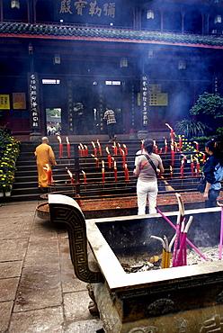 Entrance to the Wannian monastery, Mount Emei near Chengdu, China, Asia