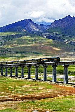 Railroad line from Damxung to Namtsho lake, Tibet, Asia