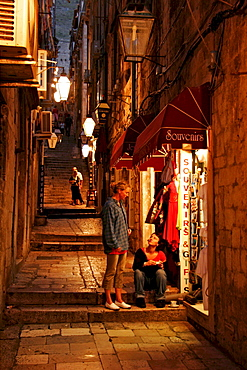 Croatia : Vespertine shopping expedition in the Old Town of Dubrovnik
