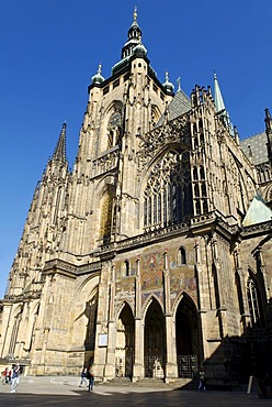 Facade and tower of St Vitus Cathedral, Prague Castle, Hradcany, UNESCO World Heritage Site, Czech Republic, Europe