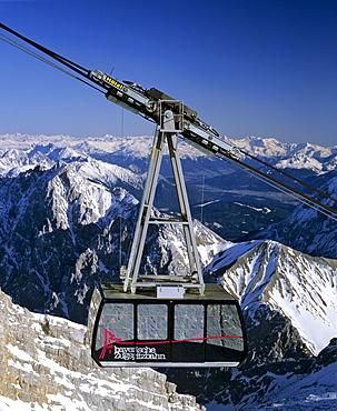 Gondola lift up the Zugspitze, Germany's highest mountain, Wetterstein Range, Werdenfels Region, Upper Bavaria, Bavaria, Germany, Europe