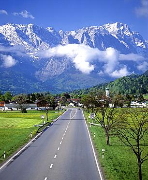 German Federal Highway 2, Farchant, Wetterstein Range, Upper Bavaria, Bavaria, Germany, Europe