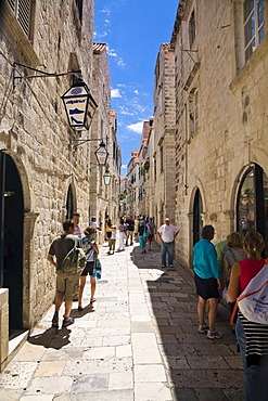 Narrow alley in Dubrovnik's historic centre, Ragusa, Dubrovnik-Neretva, Dalmatia, Croatia, Europe