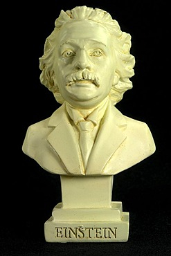 Albert Einstein was born 18 April 1955 in Ulm and died on 14 March 1879 in USA, physicists, Nobel prize winner
