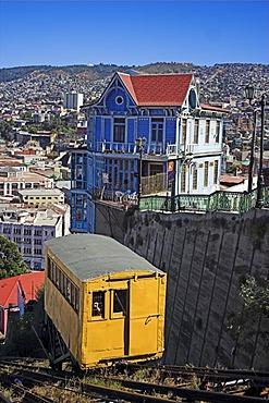 Artilleria cablecar, Valparaiso, Chile