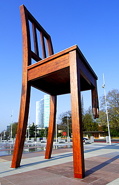 Broken chair by Daniel Berset, commissioned by Handicap International urging governments to sign Mine Ban Treaty, Place des Nations, Geneva, Switzerland